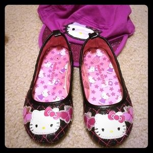 Hello Kitty shoes and hat